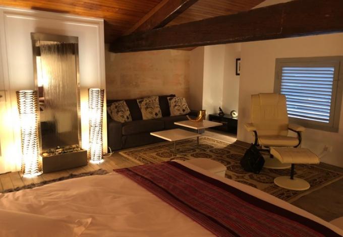 964-chateau-belloy-salle-massage.jpg