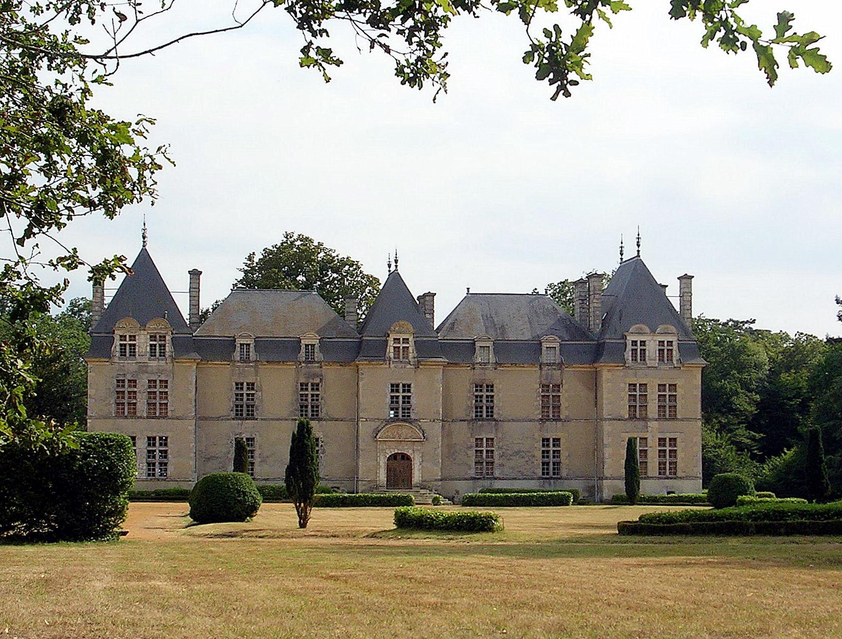 2871-chateau-de-ravignan-landes-perquie.jpg